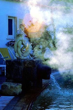 Semiramis Hotel de Charme Ischia: Cascata-piscina-termale