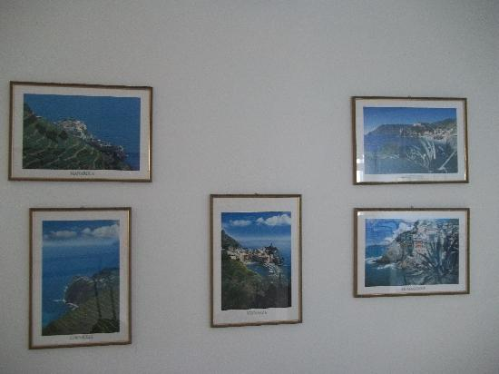Due Gemelli: Photos of the five Cinque Terre villages in the lobby