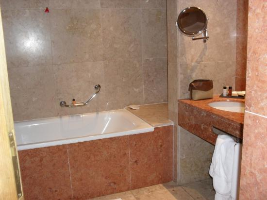 Quinta Jardins do Lago: Room 106 Bathroom