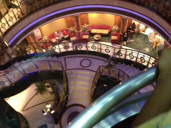 Leader Al Muna Kareem Hotel: Beautiful design