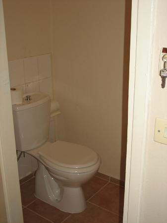 Golden Gate Apart Hotel: seperates WC