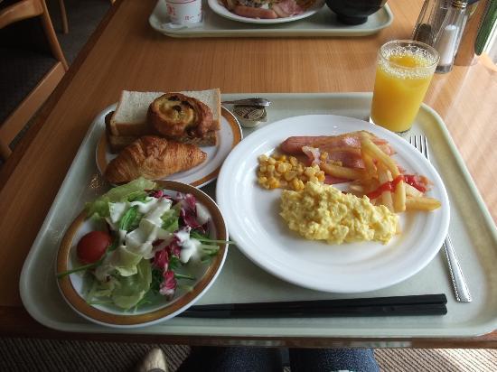 ناريتا اكسل هوتل طوكيو: 朝食。 