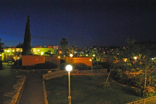 Arad Youth Hostel & Guest House: Night view