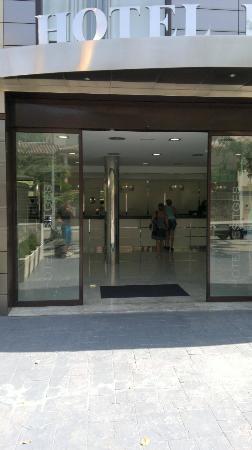 Hotel Desitges: Entrance