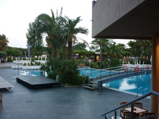 Piscine le soir picture of aqua hotel onabrava spa for Piscine paris ouverte le soir