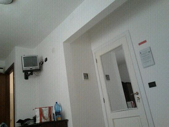 Casa Galez: Ingresso stanza n.3 vista letto