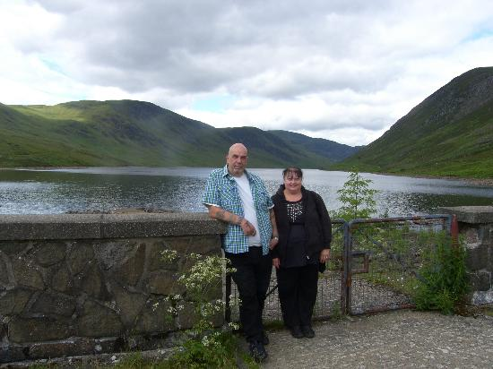 Comely Bank Guest House: just up the road the views from the dam are fantastic