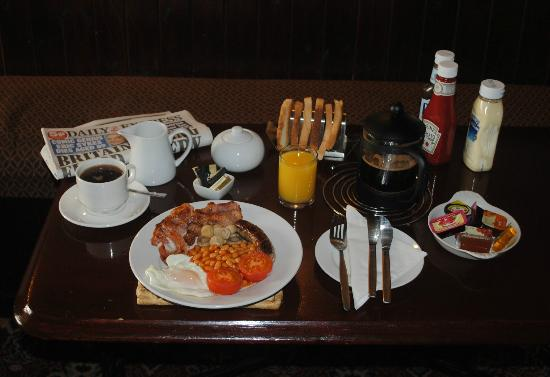 The Beaufort Arms: A Full English Breakfast