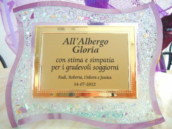 Albergo Gloria : Un gentile pensiero da parte dei nostri affettuosi clienti!
