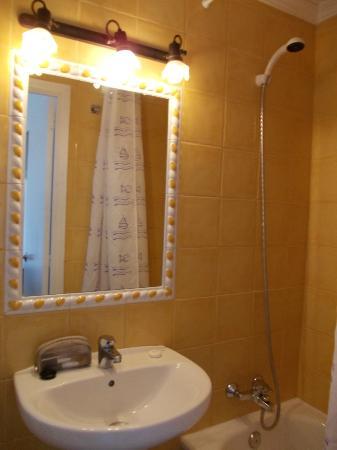 Hostal Valencia: bagno camera