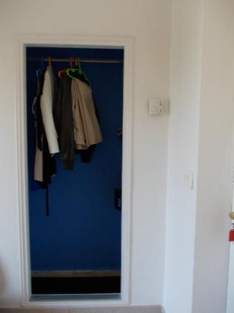 Hostal Valencia: armadio