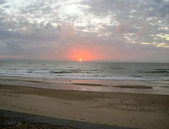 Bed and Breakfast Kerloan: Sangatte Sunset June 2012