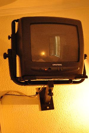 Hotel Peninsular: The old tv
