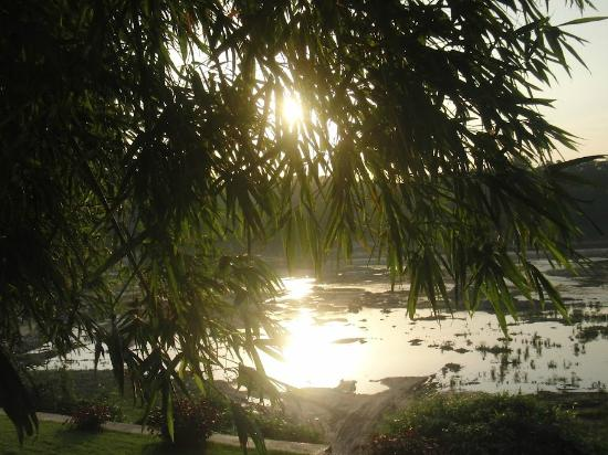Mekong Estate: Sunset