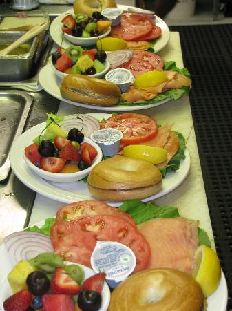 Royal Grille Cafe: Lox and Bagel Breakfast Special! Yummm