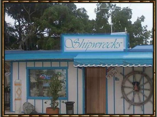 Shipwreck's Bar and Grill: Shipwrecks Bar & Grill