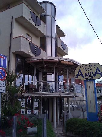 هوتل أمبا: Vista esterna Hotel