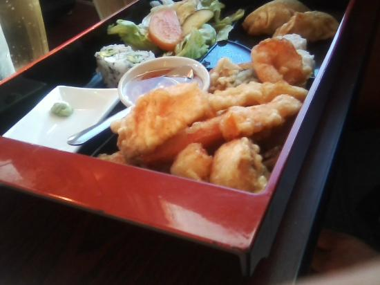 Mr. Wat Sushi & Noodles: Bento box dinner