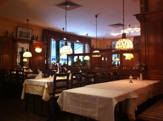 Al Pacino: main dinning room.