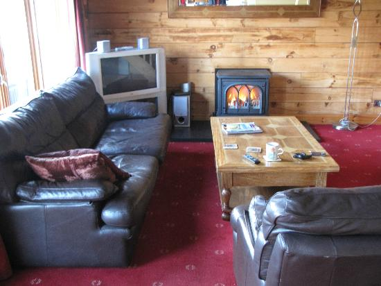 Lodges on Loch Ness: living room downstairs
