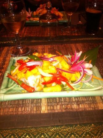 Le Cafe Thai : salade ananas/crevette. un delice!