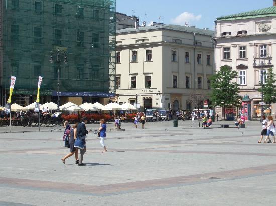 Amber Hotel: Square