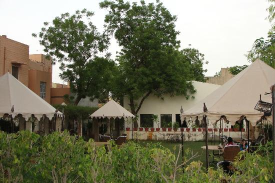 Kings Pavilion: Seating under canopies in the Garden