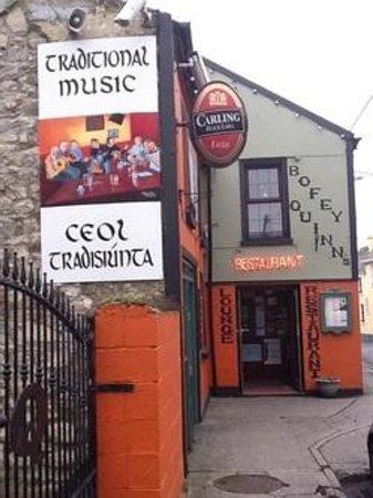Bofey Quinns Bar & Restaraunt: Traditional Music every WEDNESDAY & SATURDAY night all year