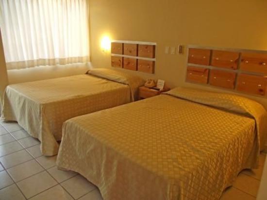 La Concha Beach Resort: Guest Room