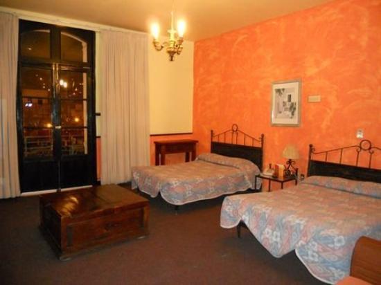 Gran Hotel Independencia: Room