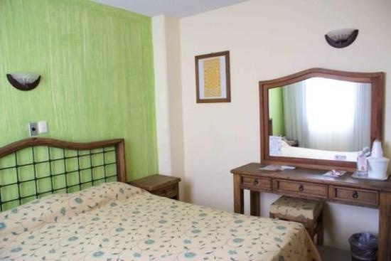 Plaza Independencia Hotel: Room