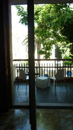 Locanda dei Buoni e Cattivi: Salon und Balkon