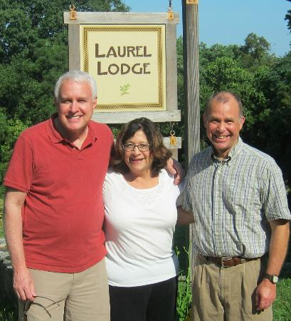 Laurel Lodge: My wife and I pose with consummate innkeeper Chris Craig
