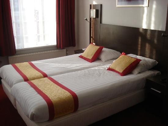 Hotel Allure: Stanza accogliente