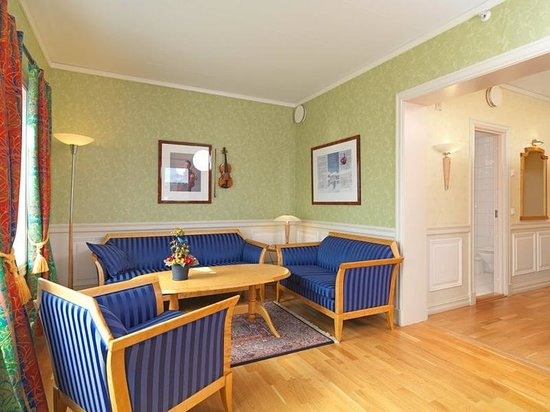 Roeros Hotel: Suite