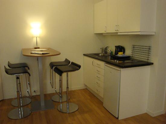 Frogner House Apartments- Arbinsgate 3: Oslo Frogner House Apt kitchen