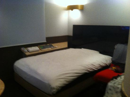 City Hotel N.U.T.S: Double bed