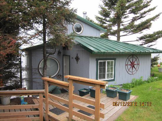 The Alaska Beach House: entrance to rose quarters