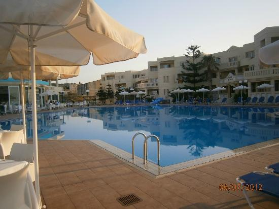 Imperial Hotel: pool