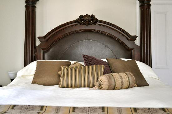 The Old Carriage House B&B: Royal Suite