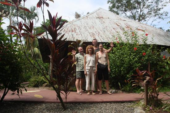 Phidjie Lodge: Isabelle, Olivier, Loic et Emma