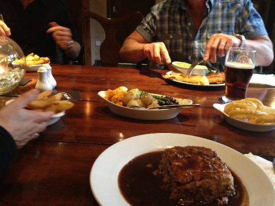 Bryherstones Inn: Steak Pie, Chips, Veg, Onion Rings - Even better than my mums :) x