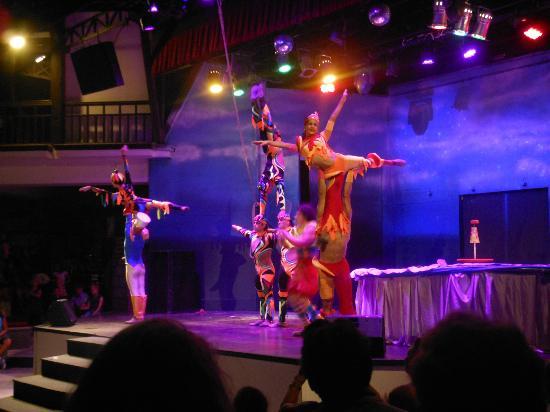 Paloma Grida Resort & Spa : Troupe venant de Cuba