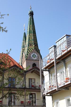 Fuchsbraeu: NIeuwe gedeelte ligt net achter de kerk