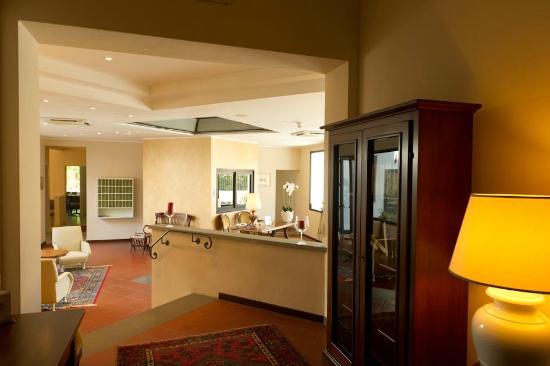 Hotel Milton: hall dell'hotel