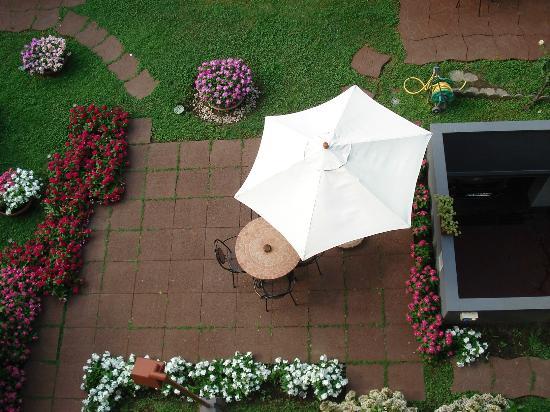 Hotel Fiera Congressi: terrasse dans le jardin