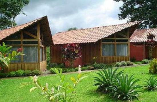Cabinas La Catarata: Lodging starting at $10 per night