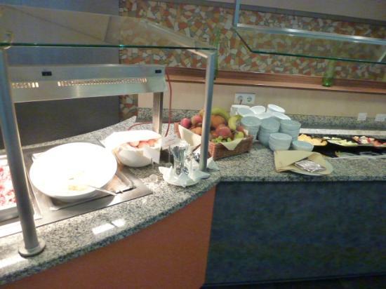 Mercure Hotel Stuttgart City Center: 朝食で準備されているもの2