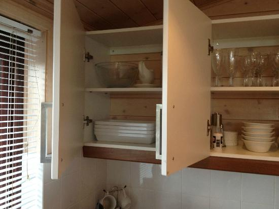 Belan Bach Lodges: well stocked kitchen