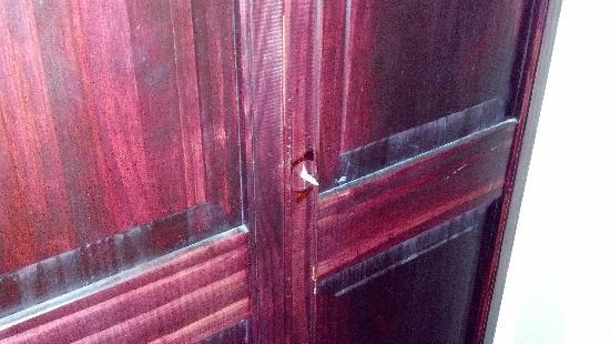Richmond Magnuson Grand Hotel : Sharp nail instead of a door knob